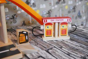 Spielzeug-Tankstelle aus Holz Kinder Spielzeug Amazon 05