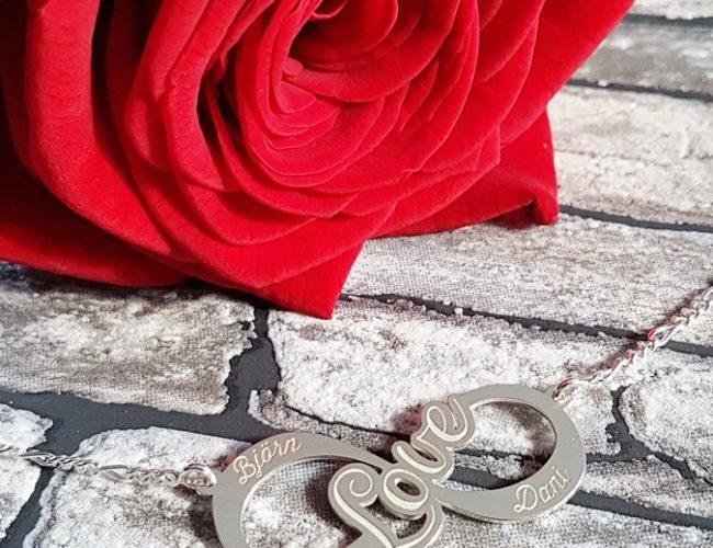 Namesforever Infinity Halskette personalisiert Geschenk 01
