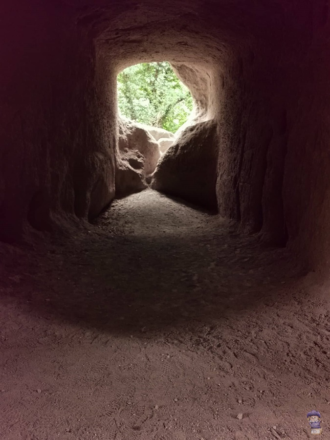 Trasshöhlen Brohltal Burgbrohl 06