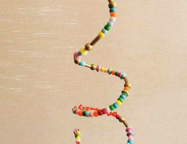 DIY Windspiel mit Perlen basteln mit Kindern 12 Titel