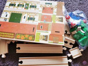 Toy Boxx September Eichhorn Holzbahn Spielzeug 03