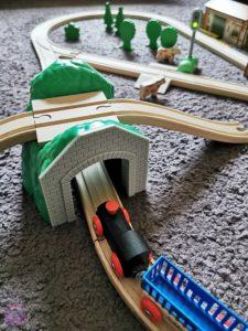 Toy Boxx September Eichhorn Holzbahn Spielzeug 08