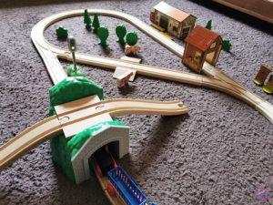 Toy Boxx September Eichhorn Holzbahn Spielzeug 10