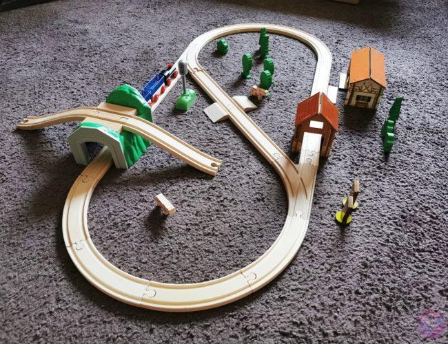 Toy Boxx September Eichhorn Holzbahn Spielzeug 12